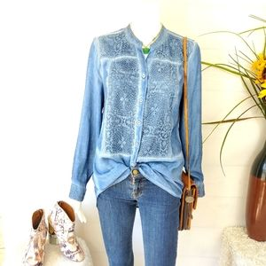 Chico's gorgeous lace panel front button shirt